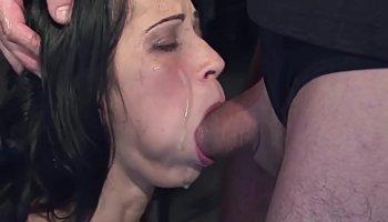 Jeune teen Belle veut faire du porno