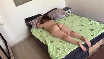 Gros seins webcam babe se masturber en solo