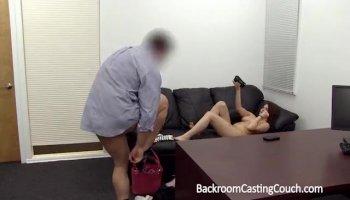 Magnifique babe bandes et se masturbe