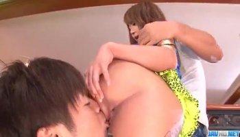 Sarah Jessie baise son futur salarié lors de l'entretien