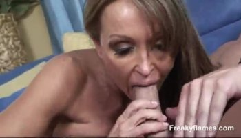 Vicki Chase en circulation deepthroat et l'action anale